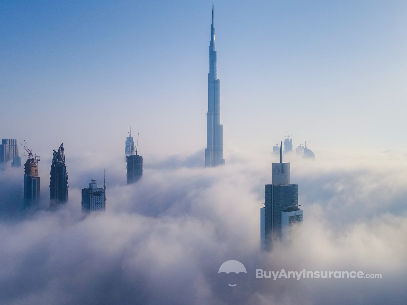 7 نصائح للتنقل بأمان في دبي أثناء الضباب