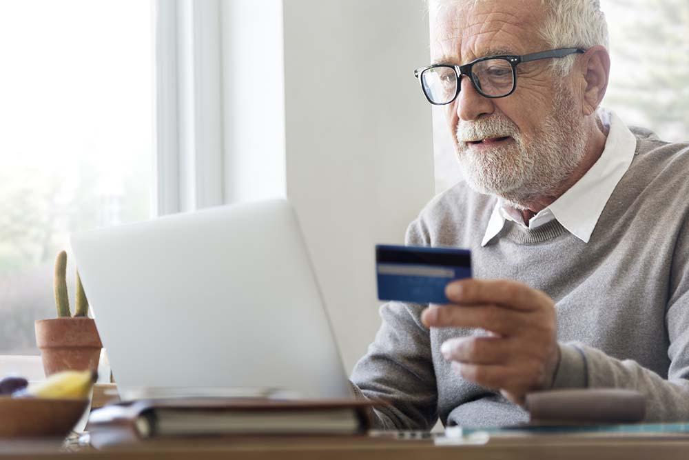Advantages Of Buying Insurance Online Over An Offline Broker