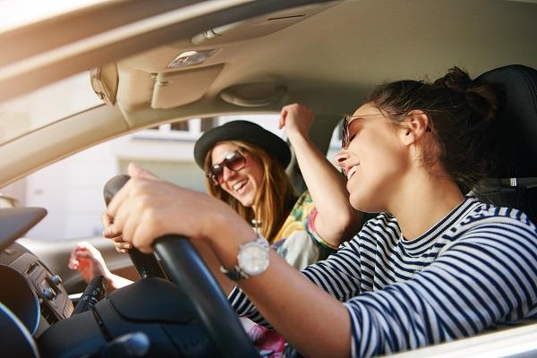 الموسيقا الهادئة تخفف من التوتر، ولا سيما الكلاسيكية منها تساعد على الاسترخاء أثناء القيادة