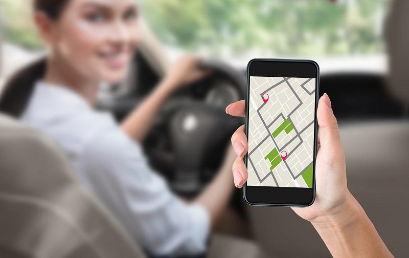 تطبيقات الهواتف الذكية للقيادة في دبي